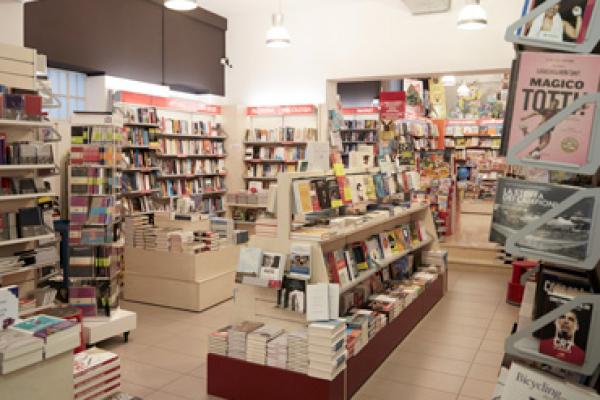 libreriaB5EA8877-DFEC-D809-4749-AA65BD1CA339.jpg